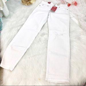 Levi's Jeans - NWT Levi signature jeans